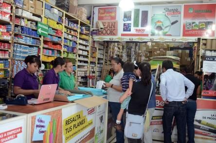 Aumenta confianza de consumidor